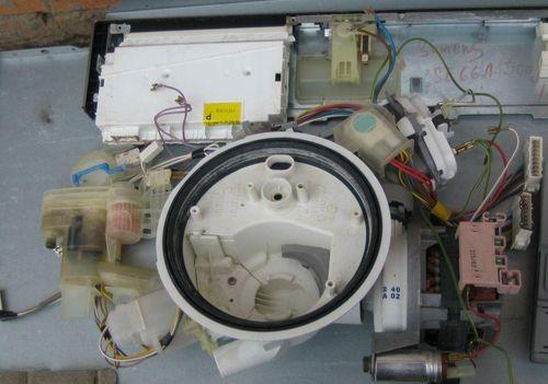 Разобранная посудомоечная машина