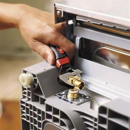 Ремонт дверцы посудомоечной машины