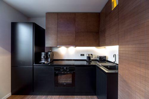 Черная посудомоечная в интерьере