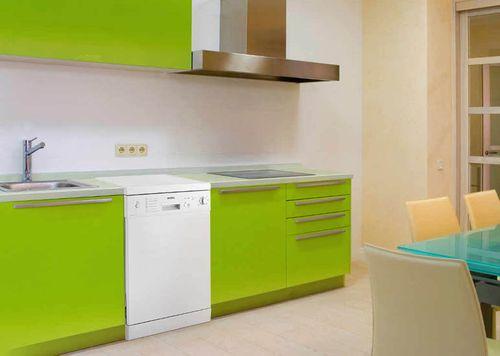 Классический дизайн посудомоечной машины