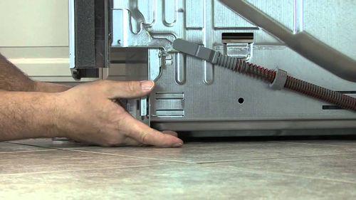 Регулировка ножек посудомойки