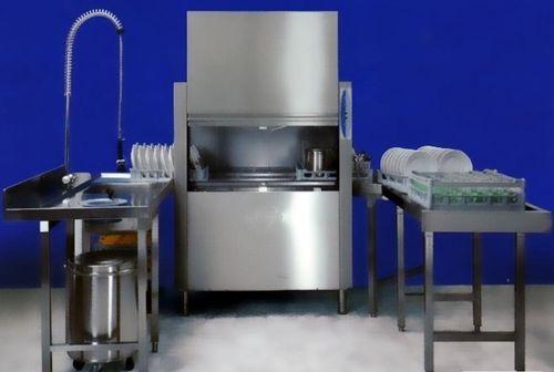 Посудомоечная машина в кафе