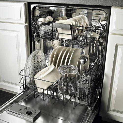 Правильно загруженная посудомоечная машина